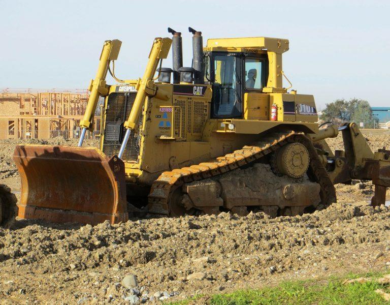 bulldozer-163796_1280